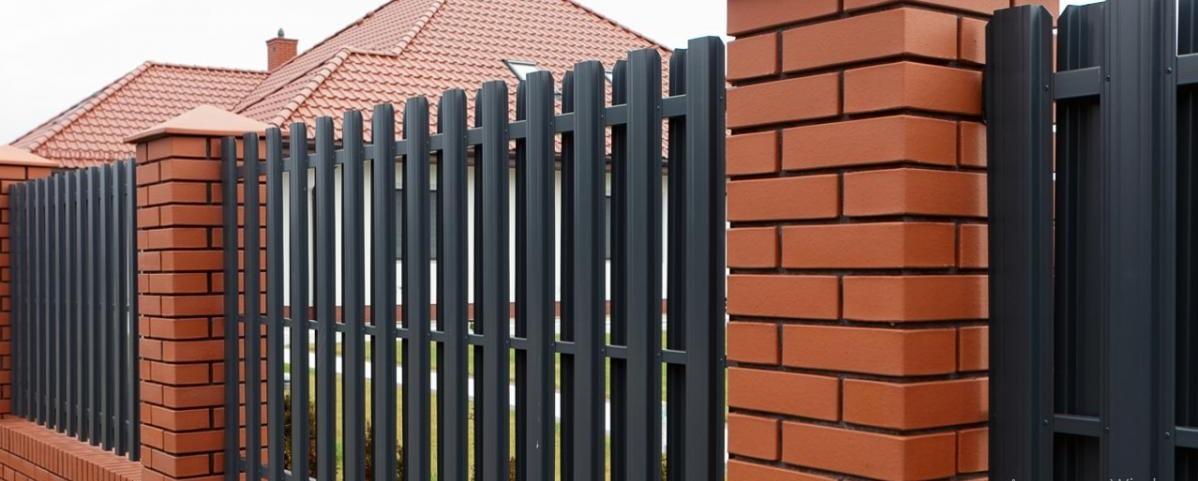 забор евроштакетный изображение